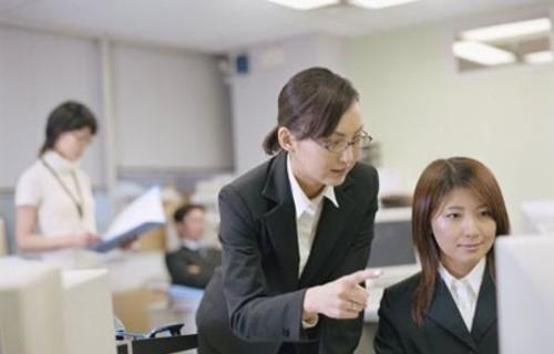 Tạm dừng chuyển trả trợ cấp BHXH bằng hình thức chuyển khoản cho người lao động